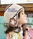 Mũ cho các em bé làm bằng tay