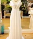 May và bán đầm dạ hội, đầm cưới. Có nhiều mẫu may sẵn, form đẹp