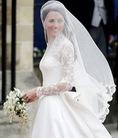 Áo cưới tay dài che khuyết điểm tay to và thô