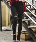 Quần jeans Gumzi HÀN QUỐC cùng bạn gái tự tin sải bước