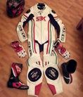 Áo khoác da bảo hộ đi motor, racing suit áo liền quần,chất liệu da thật, áo da triumph,teknic,vanucci,ixon ...