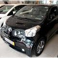 Bán xe Toyota iQ đủ màu : trắng , đỏ, xanh ... giá tốt