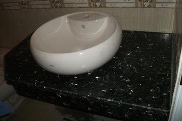Granite xà cừ đen