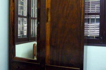 Tủ quần áo gỗ lát dày, vintage, vô cùng bền, chắc chắn và độc