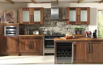MSP055 : Mẫu thiết kế tủ bếp gỗ laminate vân gỗ óc chó mẫu 2014