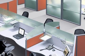 Vách ngăn bàn làm việc bằng kính hiện đại VNBLV11