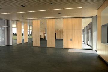 Vách di động gỗ phòng hội thảo VDDG27