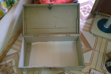 Tủ gỗ sơn dành cho SV