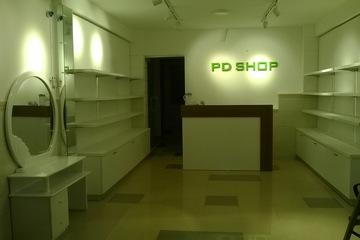 Thi công tủ,kệ shop,showroom giá tốt