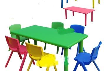 Bàn nhựa đúc nhập khẩu cho bé ngồi học