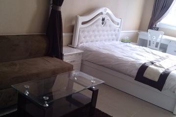 Giường ngủ cổ điển màu trắng đơn giản mà sang trọng