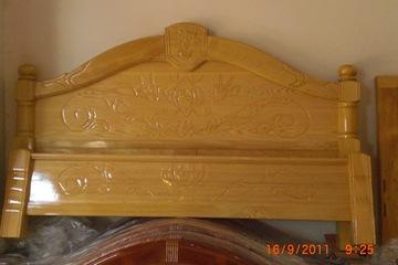 Giường gỗ Pơmu 100% tự nhiên đẹp hoàn hảo không lo sợ muỗi
