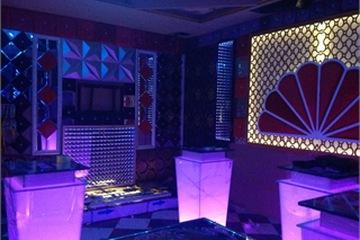 Chuyên cung cấp bàn kính karaoke giá rẻ, chất lượng tốt