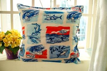 Gối vuồng cartoon hình cá mập 100% cotton