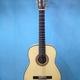 Guitar giá rẻ Hai Chi.