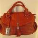Túi nữ mới về,hàng hot ,chất liệu da thuộc,nhiều màu sắc đẹp, phong cách và sang trọng.