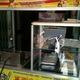 Bếp chiên giá 1250 K và máy cắt khoai tây lốc giá xoáy 540 K rẻ n.