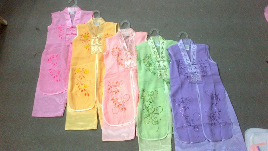 Cung cấp hàng sỉ các mẫu áo dài cho bé gái...mẫu mới cho các pé dịp tết về Ảnh số 30359867