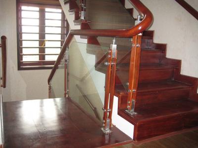 Mạt bậc cầu thang gỗ Lim Nam Phi