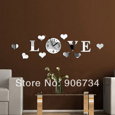 Đồng hồ treo tường chữ LOVE MS012