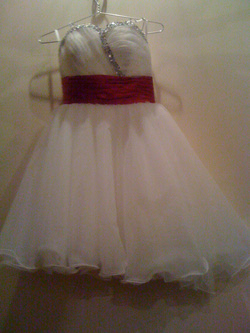 Ảnh số 3: váy trắng - Giá: 200.000