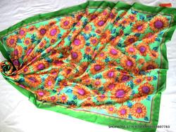Ảnh số 52: Khăn sarong - Giá: 90.000