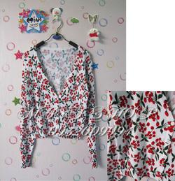 Ảnh số 90: Áo khoác hình cherry - Giá: 250.000