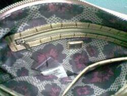 Ảnh số 7: túi guess mẫu mới 2012 AUTHENTIC - Giá: 1.500.000