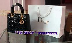 Ảnh số 49: Dior Lady fake 1B,trơn cạnh.kèm túi giấy như hình. 550k. - Giá: 550.000