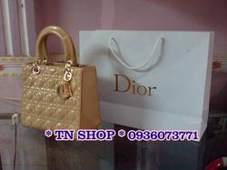 Ảnh số 46: Dior Lady fake 1B,trơn cạnh.kèm túi giấy như hình. 550k. - Giá: 550.000