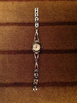 Ảnh số 9: Đồng hồ lắc - Giá: 150.000