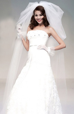 Ảnh số 48: Tóc dành cho Cô Dâu xinh xoăn nhẹ Hàn quốc - Giá: 800.000