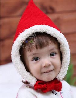 Ảnh số 72: Mũ len khăn quàng đỏ trần bông - Giá: 80.000