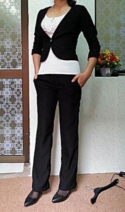 Ảnh số 6: Bộ vest kiểu nữ đen - Giá: 900.000