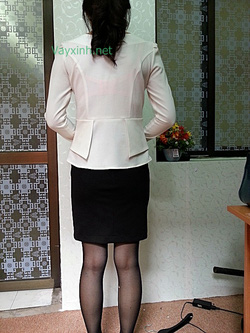 Ảnh số 19: Áo trắng nữ + chân váy ren ép - Giá: 515.000