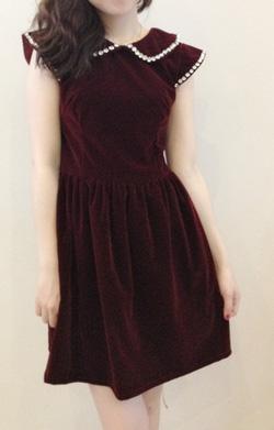 Ảnh số 9: Váy nhung cổ sen đính đá - Giá: 200.000