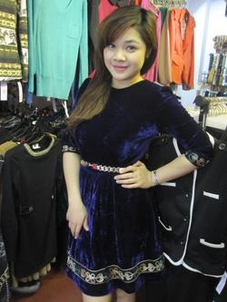 Ảnh số 33: Váy nhung - Giá: 395.000