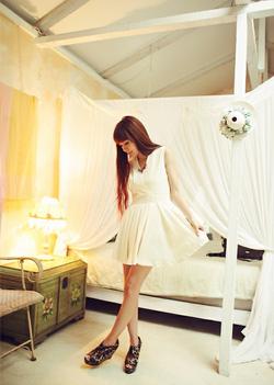 Ảnh số 34: Váy Hàn Quốc cổ V. - Giá: 200.000