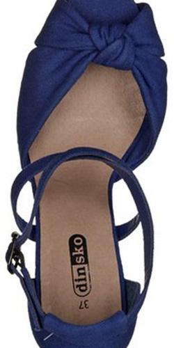 Ảnh số 49: Sandal nữ Việt Nam Xuất Khẩu Dinsko X17 size38 - Giá: 490.000