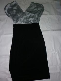 Ảnh số 8: Đầm màu xám đen - Giá: 100.000