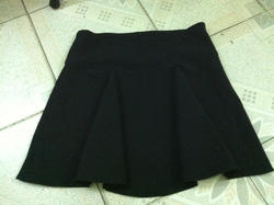 Ảnh số 19: Chân váy đen new 100% - Giá: 120.000