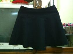 Ảnh số 18: Chân váy đen new 100% - Giá: 120.000