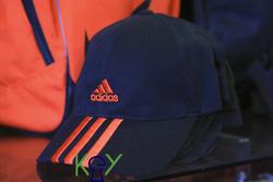 Ảnh số 12: mũ các vnxk các loại 200k - Giá: 9.999