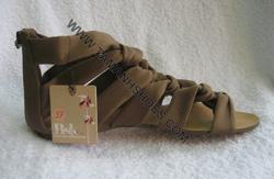 Ảnh số 80: Sandal nữ Việt Nam Xuất Khẩu hiệu Bershka X14 size37 - Giá: 370.000