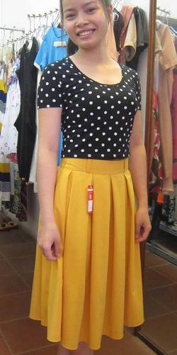 Ảnh số 8: Chân váy midi 2 túi hông 2 lớp vải tuytxi - Giá: 300.000