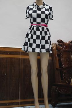 Ảnh số 29: Váy kẻ caro cổ đính đá - Giá: 280.000
