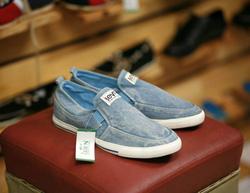 Ảnh số 72: sneaker - Giá: 350.000