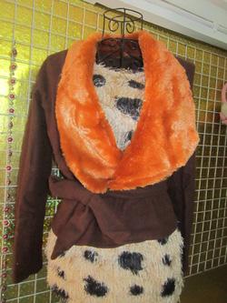Ảnh số 10: Áo khoác cổ lông, dây thắt eo, chất dạ xù một lớp - 200k - Giá: 200.000