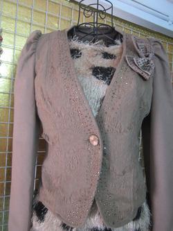 Ảnh số 62: Áo vest chất dạ nỉ, lớp ren ngoài, áo đính đá, size S, áo hai lớp - 190k - Giá: 190.000