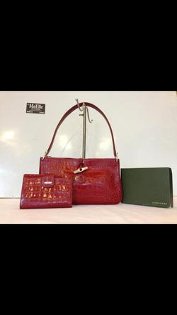 Ảnh số 36: MS 547 Bộ túi Longchamp da cá sấu màu đỏ mới 97%  giá 10 triệu - Giá: 1.000
